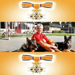 Carla de groot is Koninklijk onderscheiden! https://www.dsshandbal.nl/18543-2/
