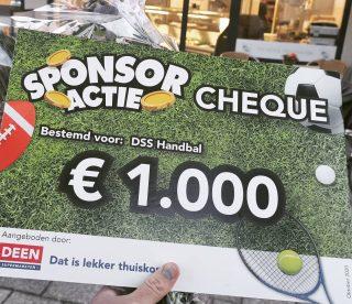 Wauw, dank je wel supermarkt Deen Heemskerk Centrum voor dit mooie bedrag! Toch maar weer mooi met z'n allen bijelkaar gespaard. Door Samenwerking Sterk!